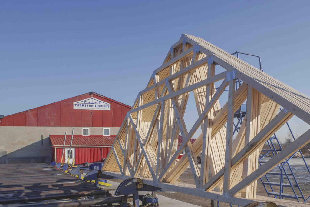 Turkstra Trusses Smithville. Framing material supplier for building. residential, industrial, commercial, farming. We carry insulation, plumbing, siding, doors, windows, gate hardware and decking material.